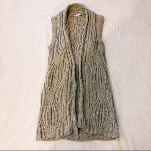 cAbi | Sleeveless Knit Cardigan sz M
